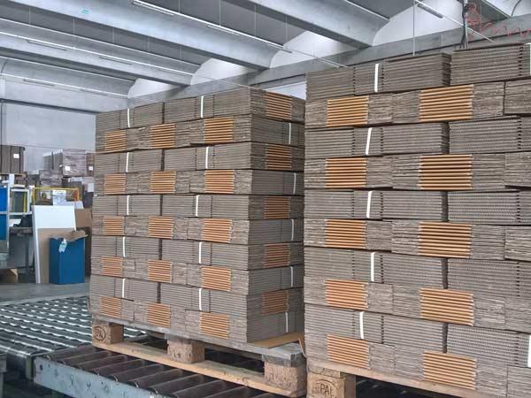 Lavorazioni-intaglio-scatole-san-giovanni-in-persiceto